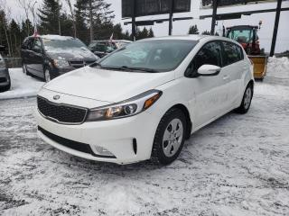 Used 2017 Kia Forte5 *LX*CAMÉRA*BLUETOOTH*SIÈGE CHAUUFANT* for sale in Québec, QC