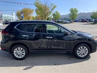 Used 2020 Nissan Rogue SV w/Moonroof for sale in Winnipeg, MB