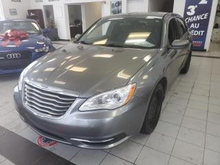 Used 2012 Chrysler 200 LX / AUTOMATIQUE / AIR CLIMATISÉ / BAS M for sale in Sherbrooke, QC