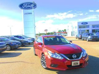 Used 2016 Nissan Altima 2.5 SV for sale in Lacombe, AB