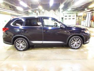 Used 2017 Mitsubishi Outlander GT AWC TOIT*CAMÉRAS*CUIR for sale in Lévis, QC