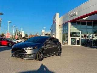 Used 2016 Ford Focus 5dr HB ST for sale in Pickering, ON