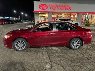 Used 2017 Toyota Camry XLE HYBRID for sale in Cambridge, ON