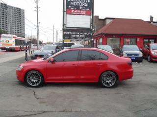 Used 2011 Volkswagen Jetta Sportline/ LEATHER / VMR WHEELS / SUNROOF / SHARP for sale in Scarborough, ON