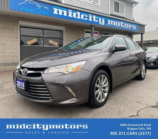 2016 Toyota Camry XLE/ HEATED SEATS/ BLINDSPOT MONITOR/ FULLY LOADED