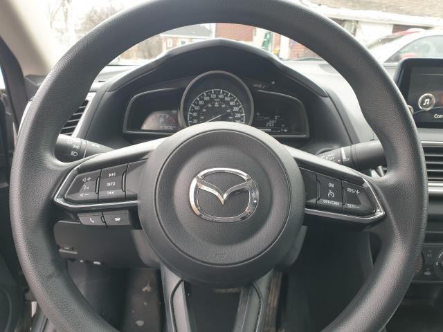 2017 Mazda MAZDA3 GX Photo14