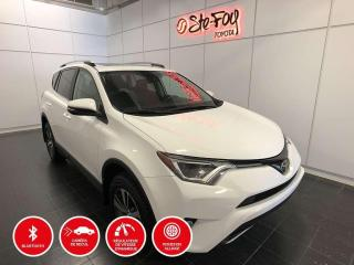 Used 2017 Toyota RAV4 XLE - AWD - TOIT OUVRANT for sale in Québec, QC