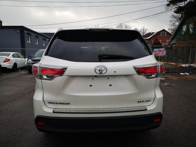 2014 Toyota Highlander XLE Photo6
