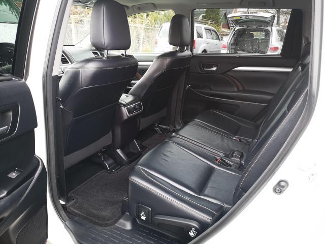 2014 Toyota Highlander XLE Photo10