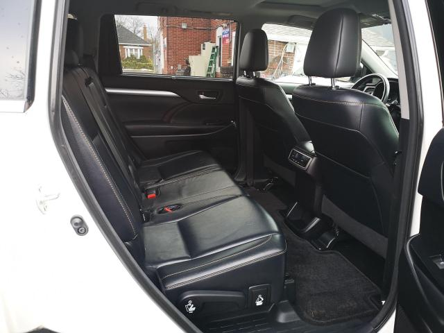 2014 Toyota Highlander XLE Photo11