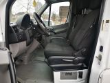 2015 Mercedes-Benz Sprinter 2500 web v6 170 Photo30
