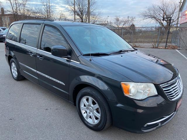 2011 Chrysler Town & Country Touring ** NAV, BACK CAM , BLUETOOTH  **