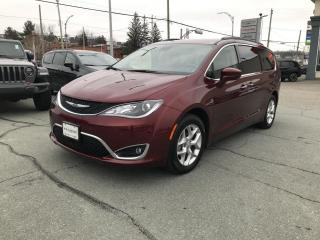 Used 2019 Chrysler Pacifica Touring Plus 2RM for sale in Sherbrooke, QC