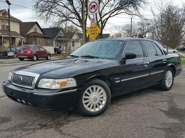2009 Mercury Grand Marquis LS Ultimate LIMITED EDITION Fully Appointed!!!