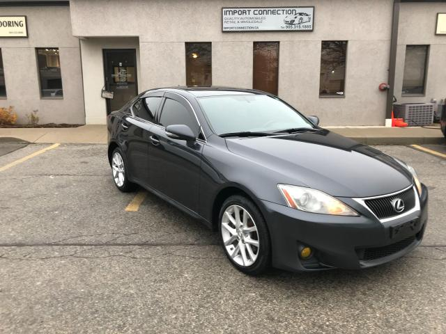2011 Lexus IS 250 AWD,MINT CONDITION,NO ACCIDENTS,BLUETOOTH !