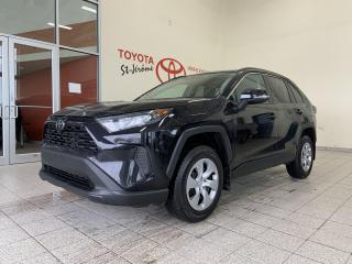 Used 2019 Toyota RAV4 * FWD * LE * SIEGES CHAUFFANTS *  CAMERA * for sale in Mirabel, QC