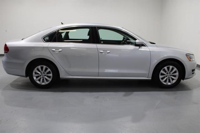 2015 Volkswagen Passat WE APPROVE ALL CREDIT