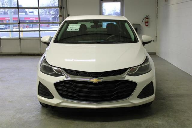 2019 Chevrolet Cruze WE APPROVE ALL CREDIT