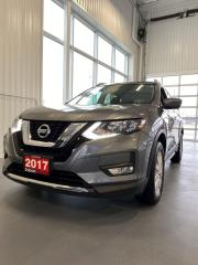 Used 2017 Nissan Rogue SV for sale in Woodstock, ON