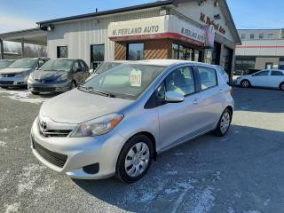 Used 2013 Toyota Yaris Hayon 5 portes, boîte manuelle, LE for sale in Sherbrooke, QC