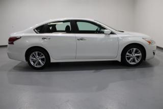 Used 2014 Nissan Altima WE APPROVE ALL CREDIT for sale in Mississauga, ON