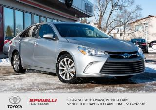 Used 2016 Toyota Camry HYBRID XLE HYBRID GPS, MAGS, CUIR, TOIT for sale in Pointe-Claire, QC