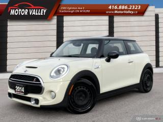 Used 2014 MINI Cooper S 6MT NAVIGATION - SUNROOF MINT! for sale in Scarborough, ON