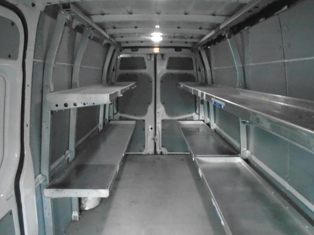 2008 Dodge Sprinter shelf