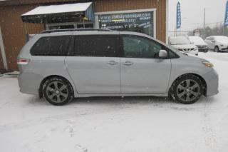 Used 2017 Toyota Sienna SE 8 places 5 portes TA for sale in Prevost, QC