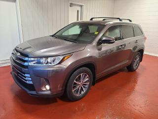 Used 2017 Toyota Highlander XLE AWD for sale in Pembroke, ON