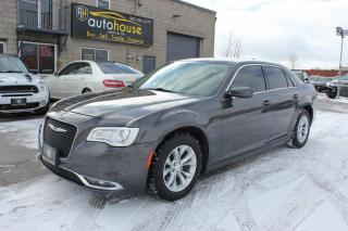 Used 2018 Chrysler 300 Touring /NAVI /PANAROOF /REMOTE STARTER /BACKUP CAMERA for sale in Newmarket, ON