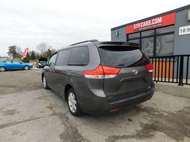 2011 Toyota Sienna LE | RARE AWD | Power Sliding Doors | Bluetooth