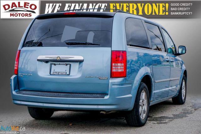 2010 Chrysler Town & Country TOURING / 7 PASSENGERS / BACKUP CAM / LEATHER / Photo7