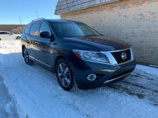 Used 2015 Nissan Pathfinder 4WD 4dr PLATINUM, c/w DVDs 7 PESSANGERS for sale in Calgary, AB