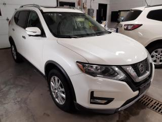 Used 2017 Nissan Rogue SV TECH PACK AWD MAGS TOIT PANO NAV CAMERA DE RECU for sale in Île-Perrot, QC