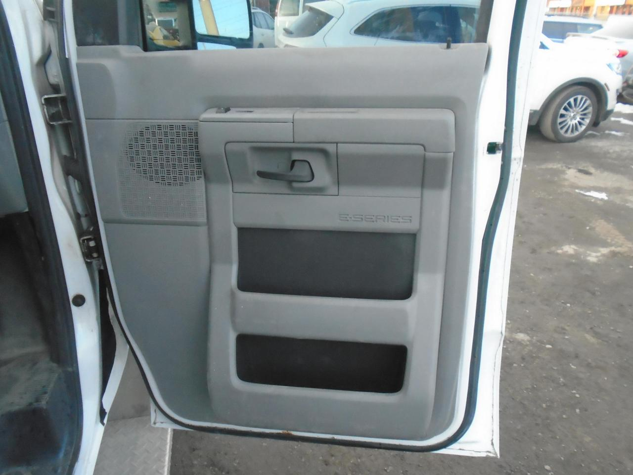 2013 Ford E350