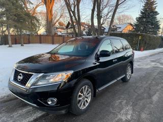 Used 2014 Nissan Pathfinder S for sale in Roxboro, QC