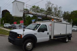 Used 2006 Ford F-550 XL bucket truck for sale in Richmond Hill, ON