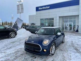 Used 2016 MINI Cooper Hardtop LEATHER/SUNROOF/NAV/BACKUPCAM for sale in Edmonton, AB