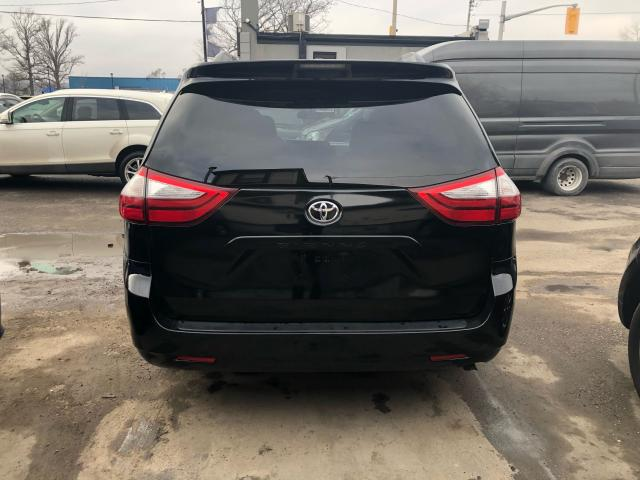 2015 Toyota Sienna LE**LOW KMS*REARVIEW CAM*LEATHER**