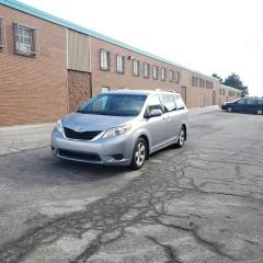 Used 2012 Toyota Sienna LE 8-Pass FWD for sale in Richmond Hill, ON