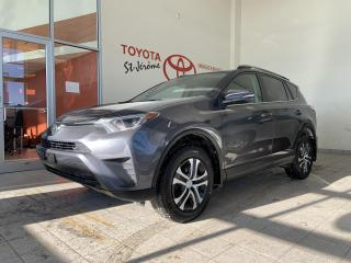 Used 2017 Toyota RAV4 * AWD * LE * CAMERA DE RECUL * SIEGES CHAUFFANTS for sale in Mirabel, QC