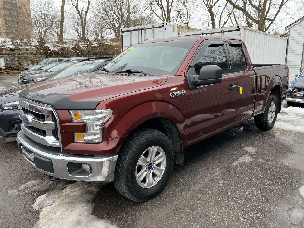 2017 Ford F-150 XLT -  4X4 - NEW TIRES!!