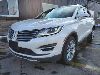 Used 2018 Lincoln MKC Select AWD-NAVIGATION-SUNROOF-HEATED LEATHER for sale in Tilbury, ON