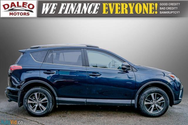 2017 Toyota RAV4 XLE / HEATED SEATS / BACK UP CAM / MOONROOF / Photo10