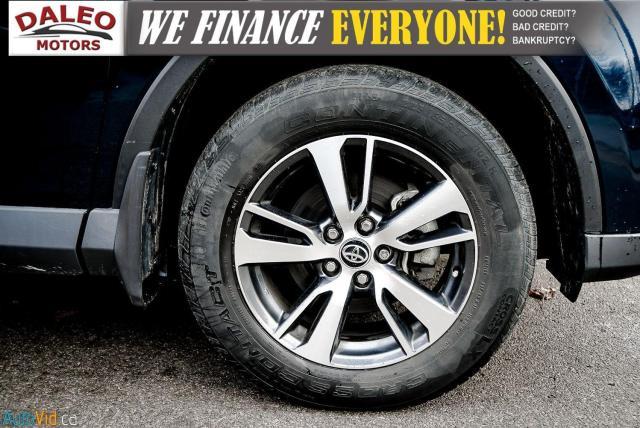 2017 Toyota RAV4 XLE / HEATED SEATS / BACK UP CAM / MOONROOF / Photo11