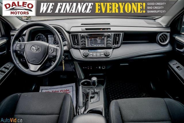 2017 Toyota RAV4 XLE / HEATED SEATS / BACK UP CAM / MOONROOF / Photo15