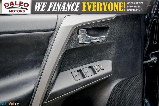 2017 Toyota RAV4 XLE / HEATED SEATS / BACK UP CAM / MOONROOF / Photo18