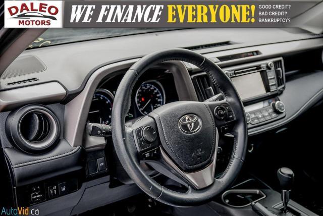 2017 Toyota RAV4 XLE / HEATED SEATS / BACK UP CAM / MOONROOF / Photo19