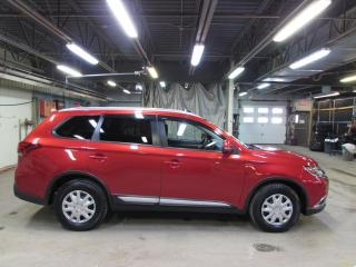 Used 2017 Mitsubishi Outlander SE TOURING AWD TOIT*CAMÉRA*MAIN LIBRE for sale in Lévis, QC